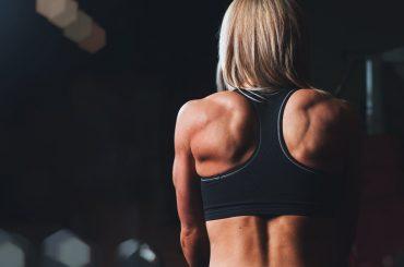 Vypracuj si pevné ramená pomocou týchto desiatich cvikov.