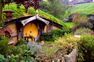 Fantazijný domček naozaj existuje. Fanúšik Pána Prsteňov si v Škótsku postavil Hobitiu chalúpku.