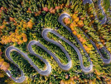 Cesta za Drakulom do Transylvánie je kľukatá. Presvedčia ťa o tom tieto zábery!?