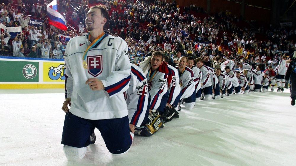 Najväčšie futbalové a hokejové úspechy Slovenska!? Pamätáte si ešte tie zimomriavky!?