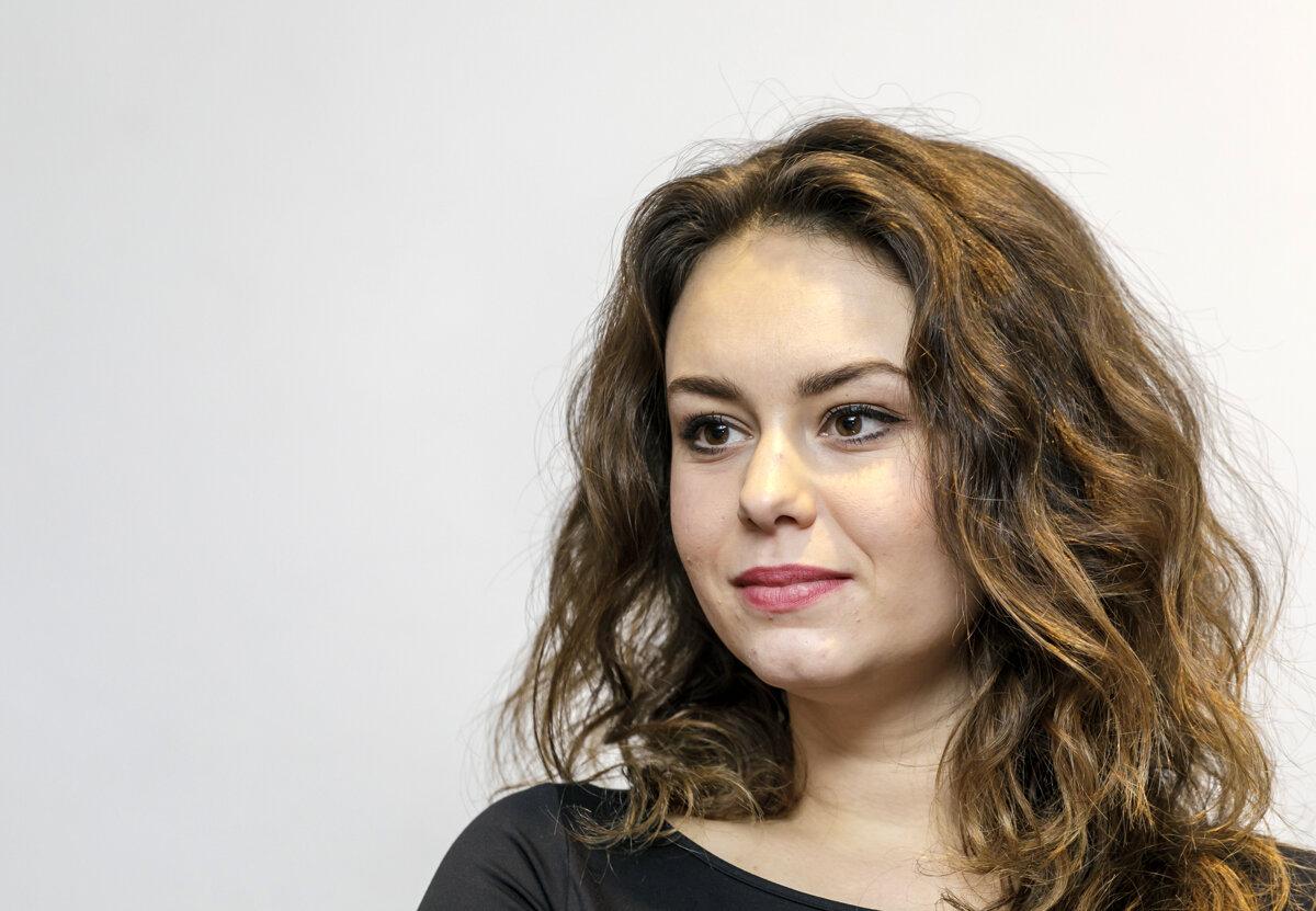 Dominika Kavaschová vyšla s pravdou von! Verejná hanba, pri ktorej sa cítili trápne úplne všetci! Práca je však práca!