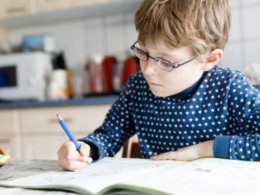 Druhák mal vymyslieť slovnú úlohu na príklad z matematiky: Jeho mama neverila vlastným očiam!