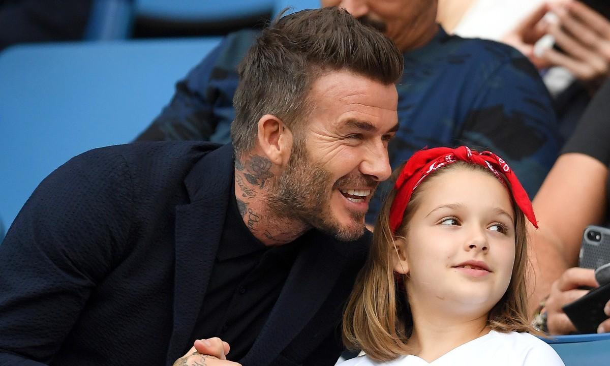 Malá Harper dojala svojho otca Beckhama takýmto darčekom! Vidieť, že dcéra veľmi dobre pozná svojho otca!