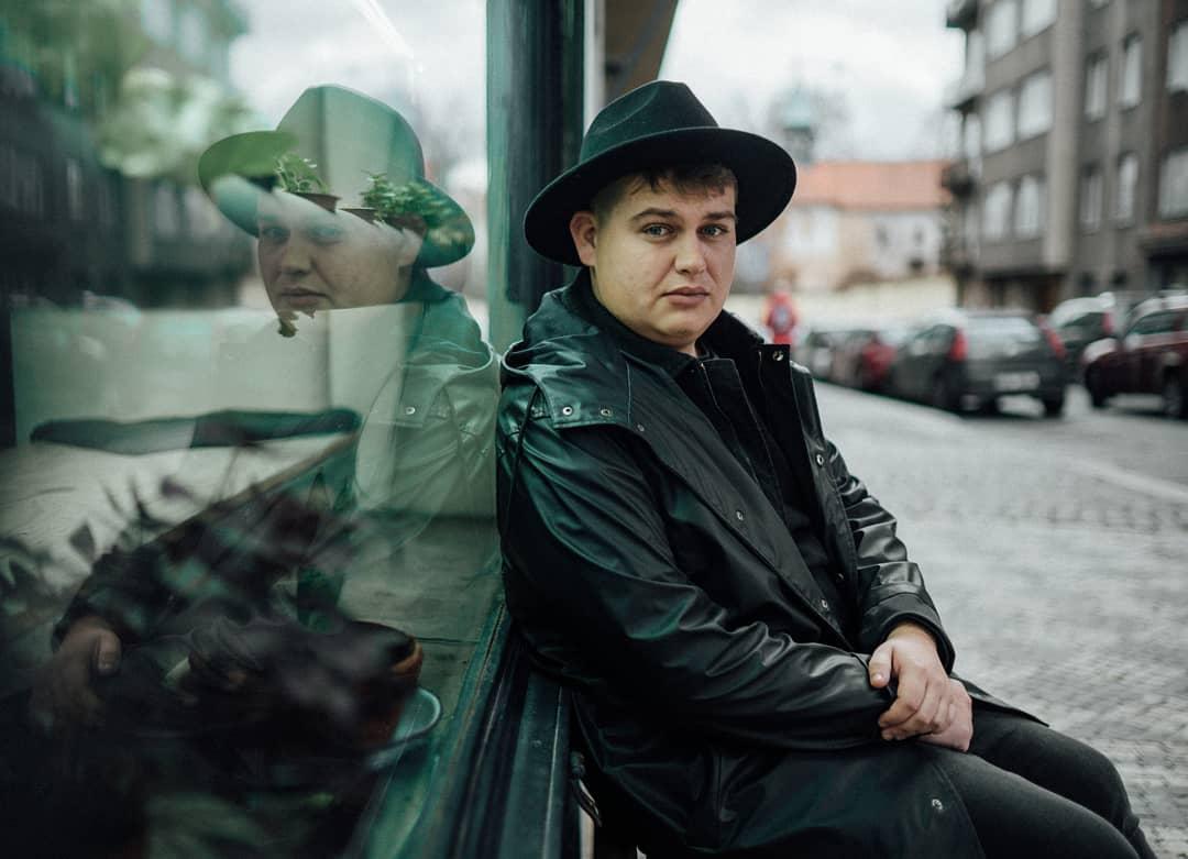 Martin Císar prichádza s novým singlom: Je určený pre ľudí, ktorí ho v živote ponížili