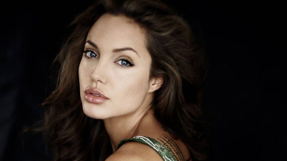 Protesty v USA nemajú konca! Angelina Jolie posiela silný odkaz všetkým rodičom!