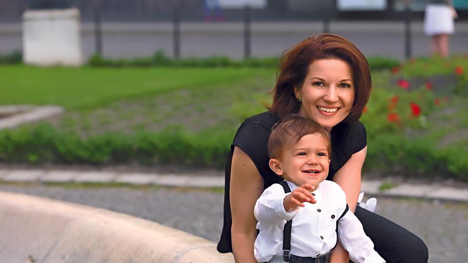 Nezabudnuteľná Viki Ráková priznáva, že materstvo je komplikovaná vec a niekedy ho nezvláda! Ako si poradí!?