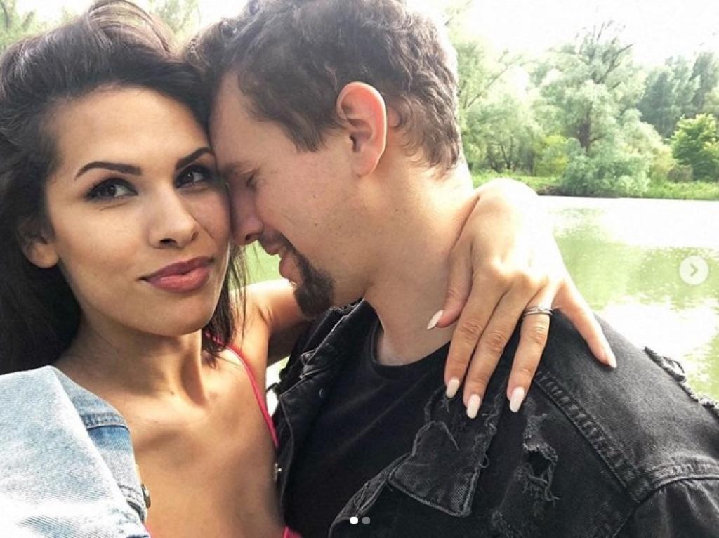 Veronika Strapková vyznala svoju lásku manželovi krásnym spôsobom! Jej svadobný song možno opísať len jedným slovom… NÁDHERA!