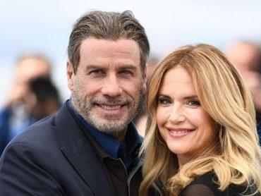 John Travolta ako gentleman! Takýmto spôsobom  si uctil svoju zosnulú manželku! Nechýbali ani slzy dojatia a smútku!