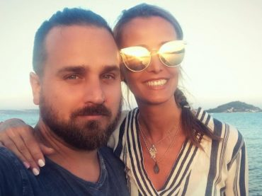 Moderátorka Lenka Šóošová uverejnila fotografie zo svadby, ktorá sa uskutočnila pred dvoma rokmi! Vyzerá šťastne a nádherne!