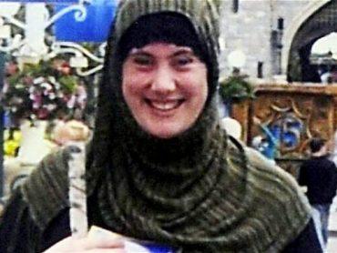 Biela vdova: Ako sa z nevinného dievčaťa stala hlava teroristických útokov