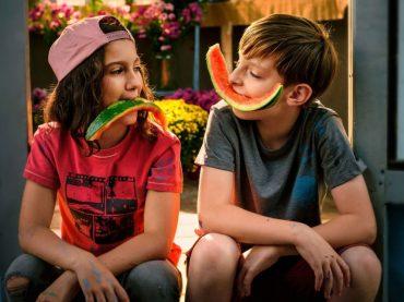 Skupina PARA a Jana Kirschner vytvorili titulnú skladbu k slovenskému filmu Letní rebeli! V kinách už čoskoro!
