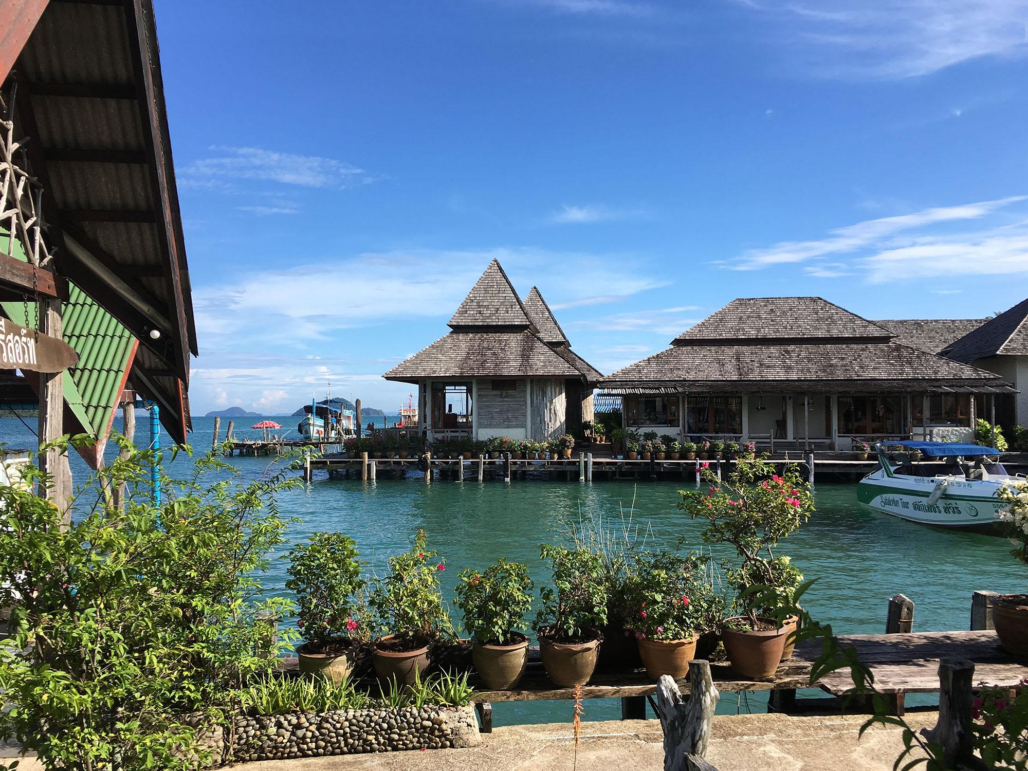 Kancelária na pláži: Pobyt v Thajsku v dobe Covidu