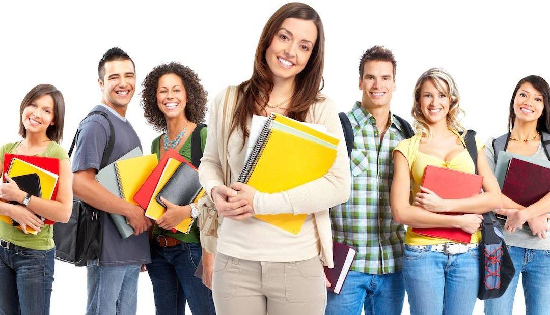 Ako študenti vnímajú dištančnú formu výučby!? Bude im niekedy škola z pohodlia domova chýbať? Opýtali sme sa študentov a ich odpovede hovoria za všetko!