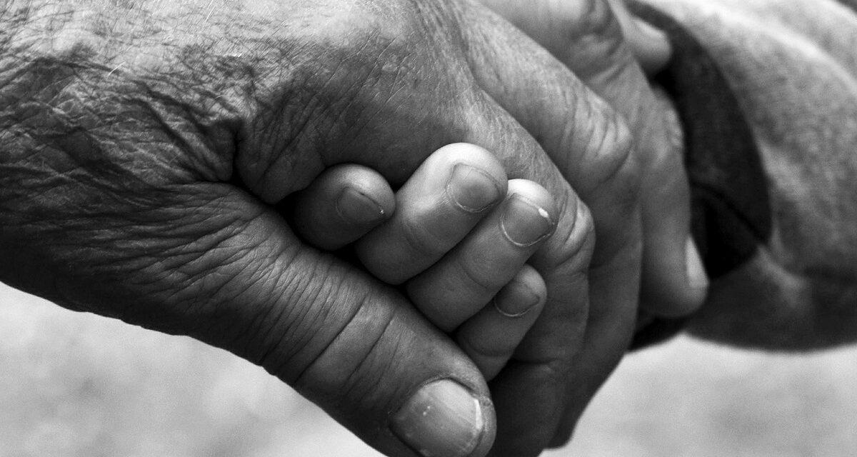 OKTÓBER- mesiac úcty k starším je tu opäť! Na starších ľudí by sme rozhodne nemali zabúdať!
